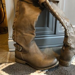 overtheknee boot excellent condition Manmade upper